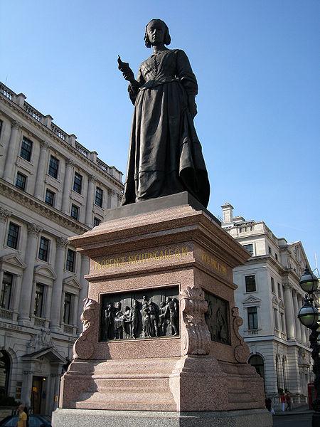 تمثال للممرضة فلورنس في لندن