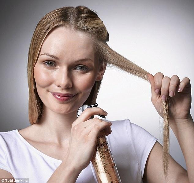 للحصول على تموجات شعر جميلة باستخدام الستريتنر  3