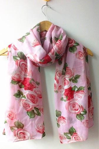 شالات صيفية بتصاميم الورود الجورية (6)