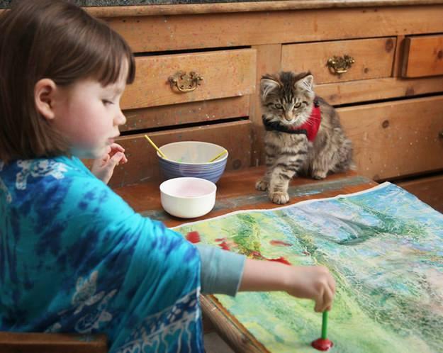 آيرس طفلة التوحد تثبت أن الإبداع لا يقاس بالعمر ! (1)