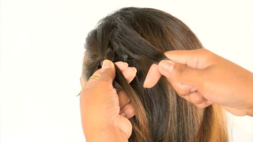 670px-Do-a-Waterfall-French-Braid-Step-7-preview-Version-2