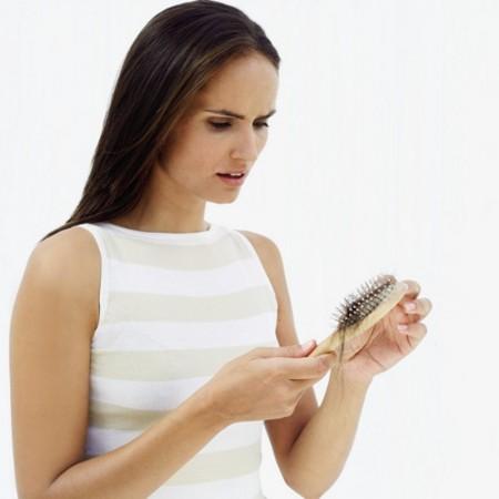 تنظيف مشط الشعر