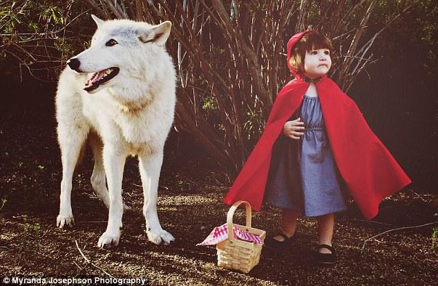 ذات الرداء الأحمر و الذئب