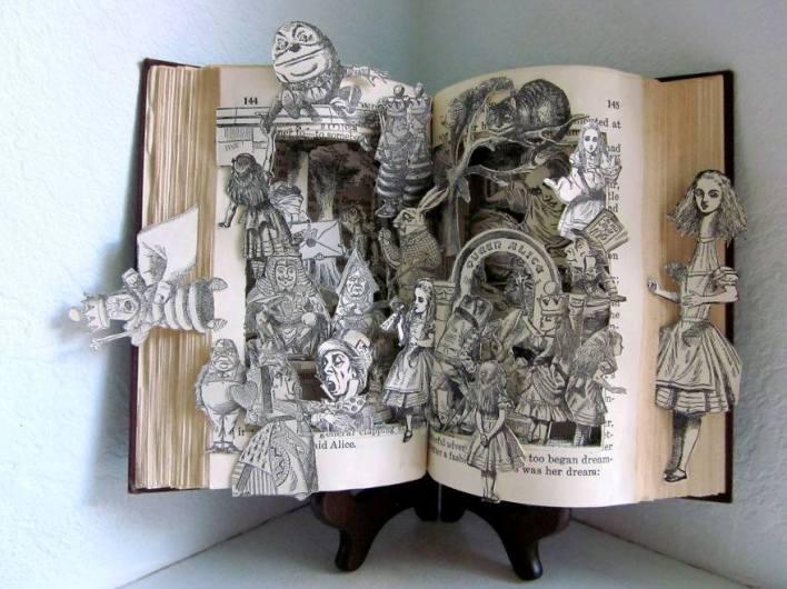 فنون النحت على الكتب