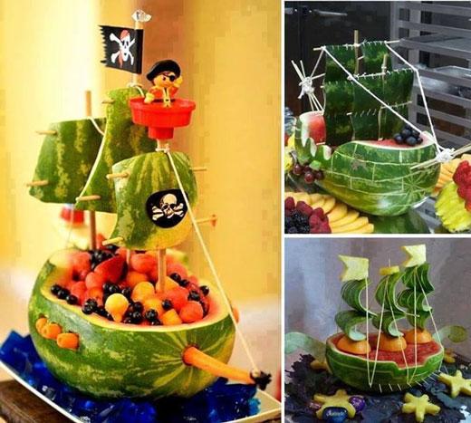 سفينة القراصنة من البطيخ