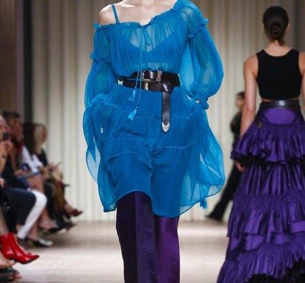 عرض لأزياء ألبيرتا فيريتي لربيع و صيف 2017