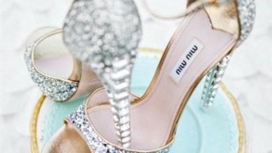 الأحذية البراقة المميزة هي مكمل اناقة أي عروس حيث الجاذبية في التصميم