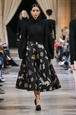 أزياء أوسكار دي لا رنتا لشتاء 2018