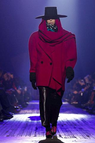 تعلمي تنسيق الألوان عصرية أزياء جاكوبس 1518710960_80_%D8%AA