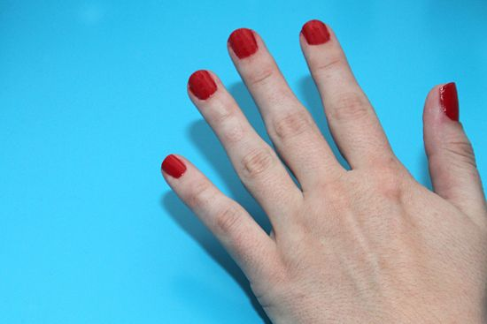 550px-Paint-Polka-Dot-Nails-with-a-Toothpick-Step-4