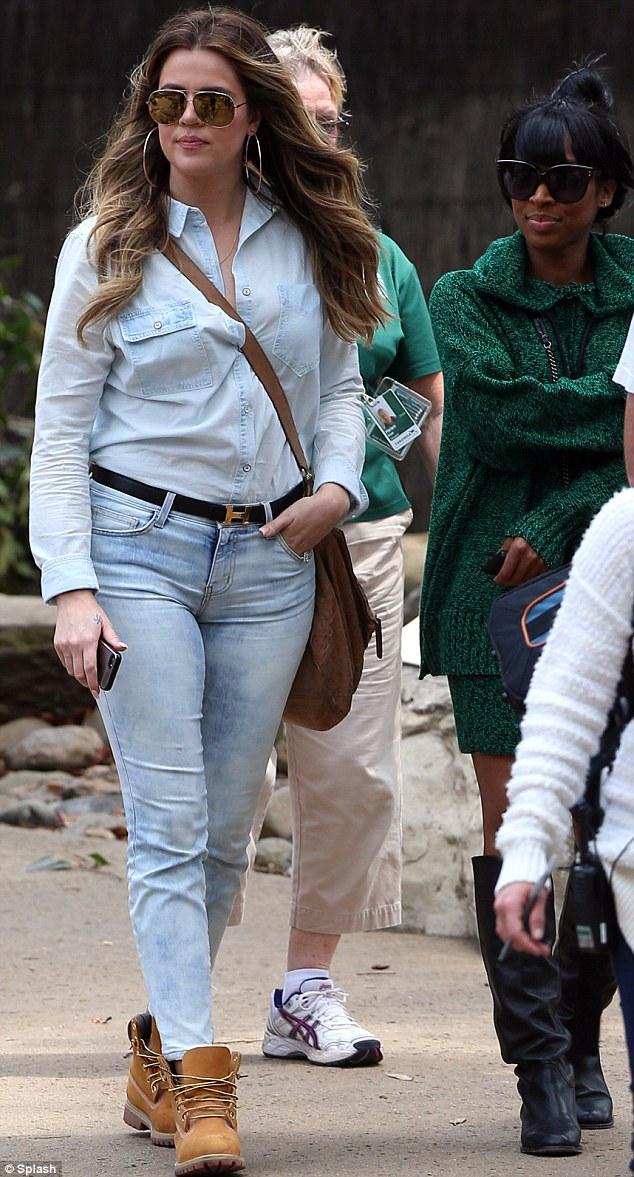 khloe-kardashian-sydney-zoo-pic150682