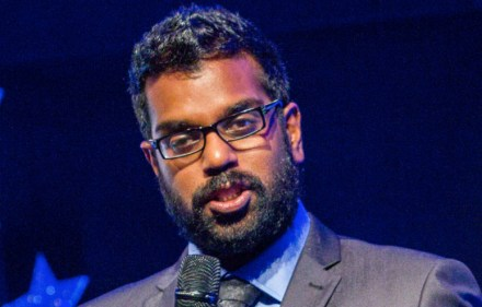 Preview – Romesh: Talking to Comedians in a Pie and Mash Shop