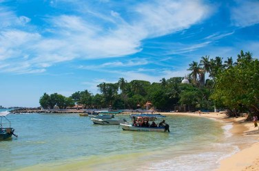 Unawatuna - Elephants, beaches and temples of Sri Lanka