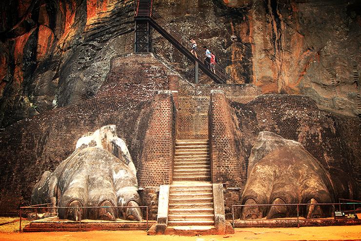 Lion's paw, Sigiriya Rock - Elephants, beaches and temples of Sri Lanka