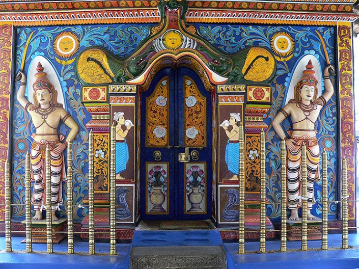 Hindu temple in Kandy - Elephants, beaches and temples of Sri Lanka