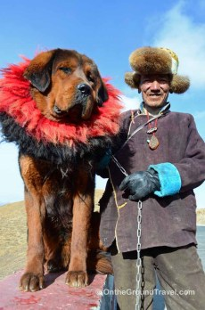 tibet-travel-tibetan-dog-and-tibetan-man