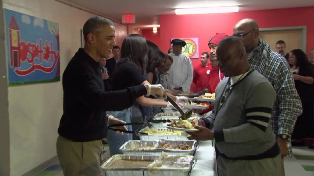 151125190833-predient-obama-serving-thanksgiving-dinner-vo-00004809-super-169