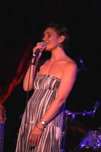 Jen Chapin singing