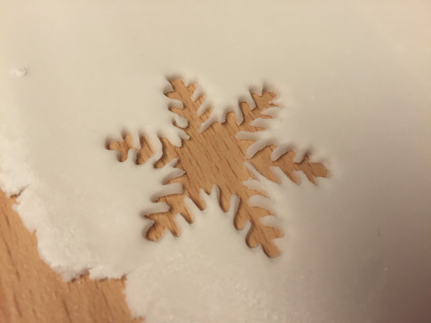 Snowflake Hole in Fondant