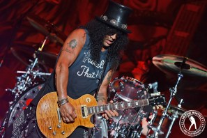 SLASH AND THE CONSPIRATORS FEAT. MYLES KENNEDY