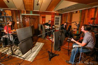 EXCLUSIVE SESSIONS: Bad Mountain at Big Acre // Photo by Ronnie Jackson