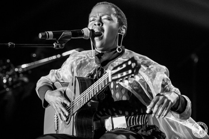 Lauryn Hill (The Bomb Factory - Dallas, TX) 4/30/16 ©2016 James Villa Photography, All Rights Reserved