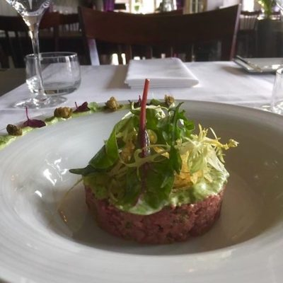 Sfeerlijk-steak-tartaar-1