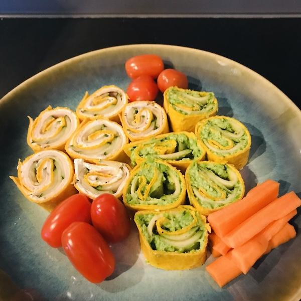 Wraps gevuld met doperwten-feta-munt-courgette of kruidenkaas-kipfilet-komkommer