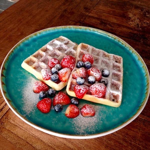 Wafels met vers fruit