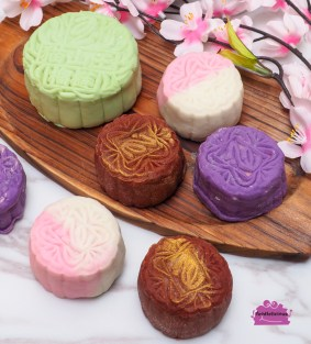 Peony Jade Mooncakes (Blog)-11