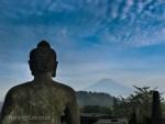 Photo Borobodur Buddha Statue Mountain View Yogyakarta Indonesia Ooaworld
