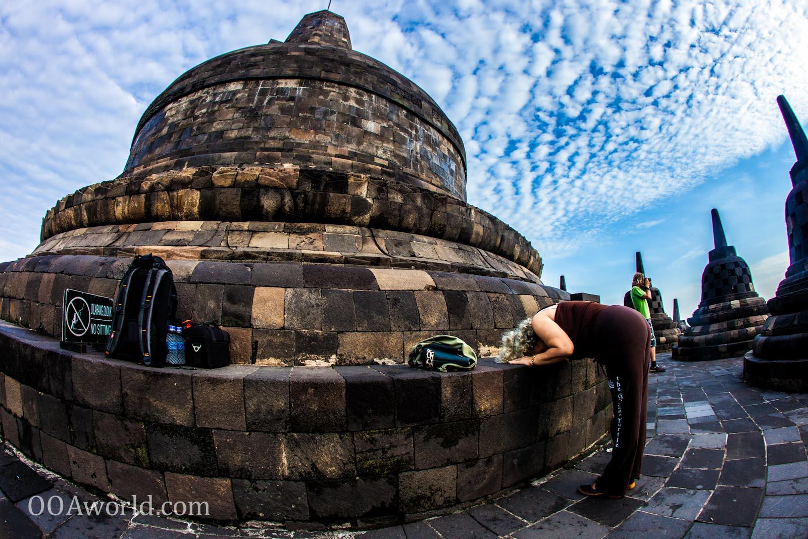 Photo Borobudur Sunrise Prayer Yogyakarta Indonesia Ooaworld
