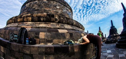 Photo Borobudur Sunrise Prayer Yogyakarta Indonesia Ooaworld
