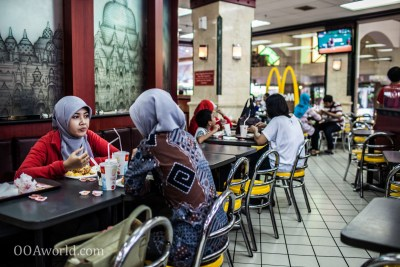 Photo Muslim Women at Mc Donalds Yogyakarta Indonesia Ooaworld