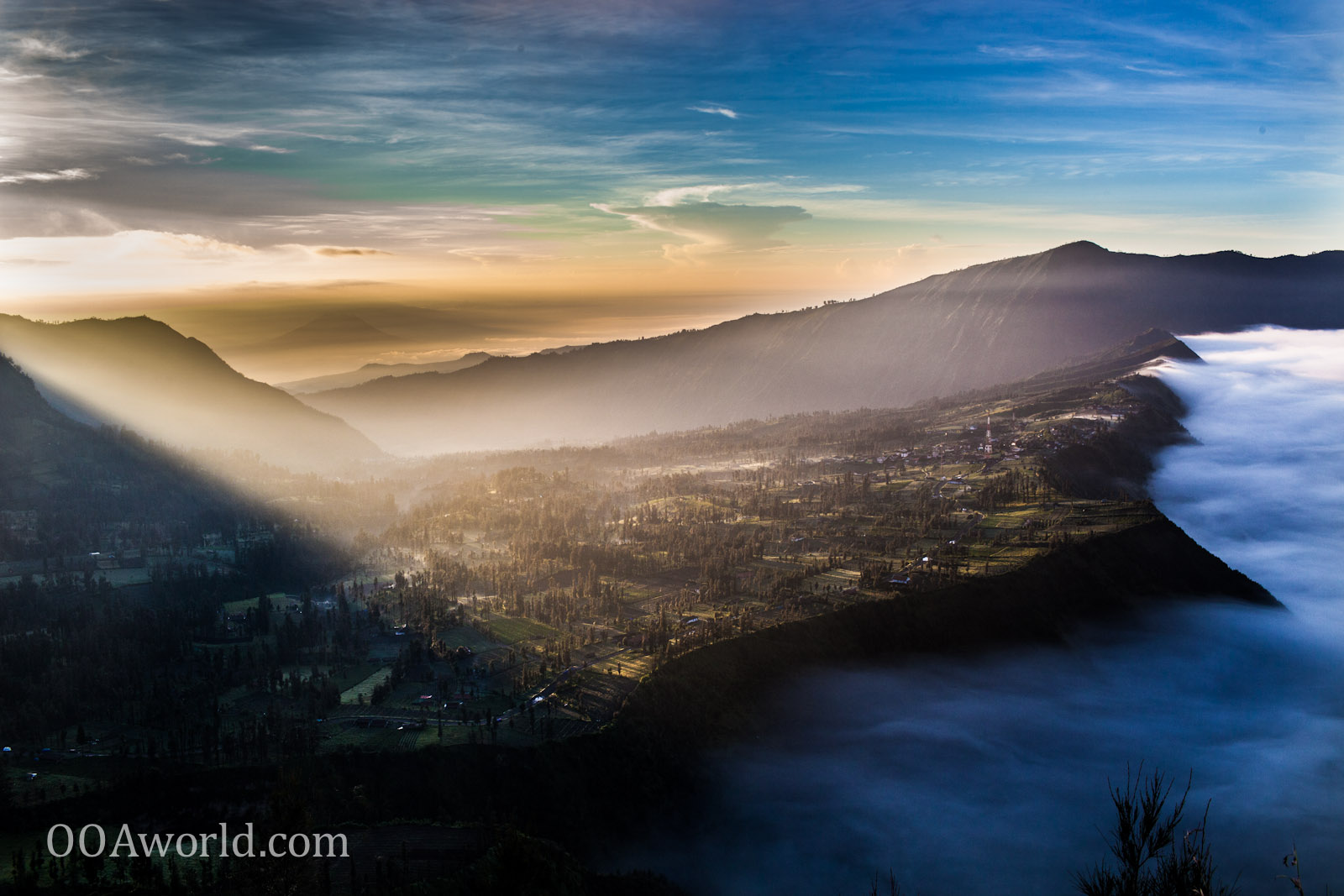 Photo Mount Bromo Indonesia Eastern Lights Ooaworld