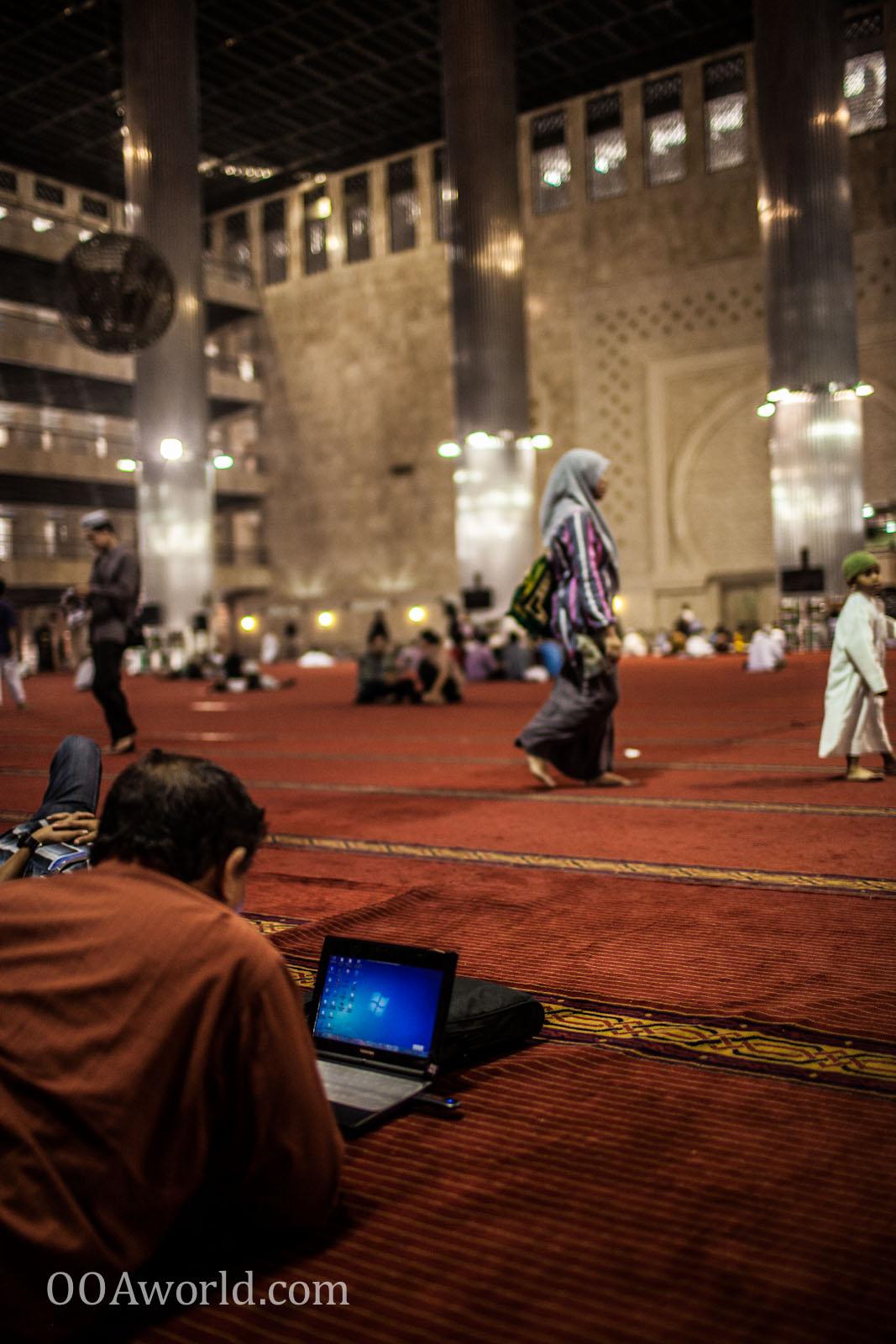Mosque Windows Jakarta Indonesia Photo Ooaworld