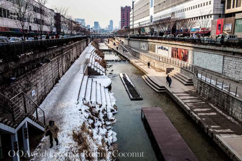 Cheonggyecheon Stream Seoul Photo Ooaworld