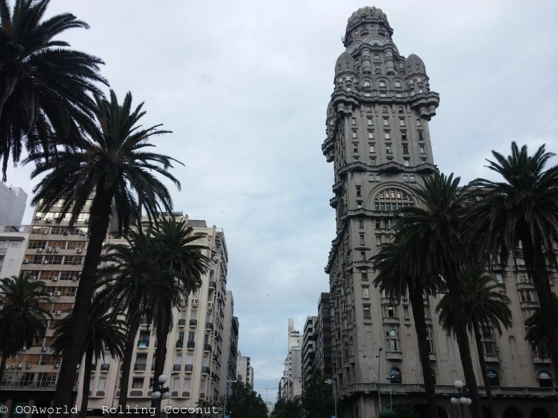 Plaza Independencia Montevideo Uruguay Photo OOAworld Rolling Coconut
