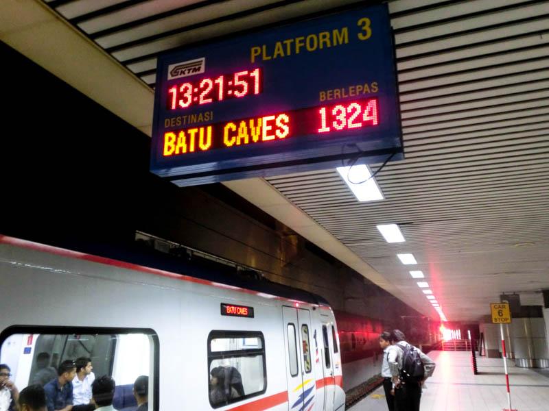 Platform Komuter Kuala Lumpur Batu photo ooaworld Rolling Coconut