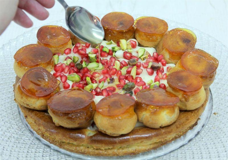 סנט אונורה עם קרם פטיסייר דבש ורימונים
