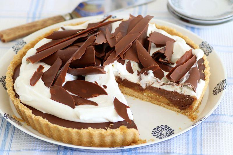 Banana and Chocolate Cream Pie with Whipped Cream
