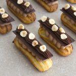 אקלייר טריפל שוקולד עם אגוזי לוז
