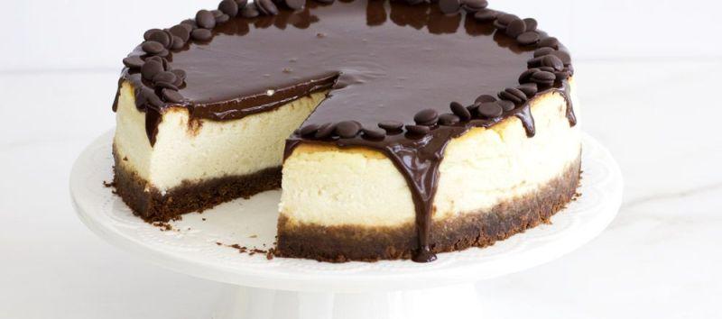 עוגת גבינה עם ציפוי שוקולד מריר
