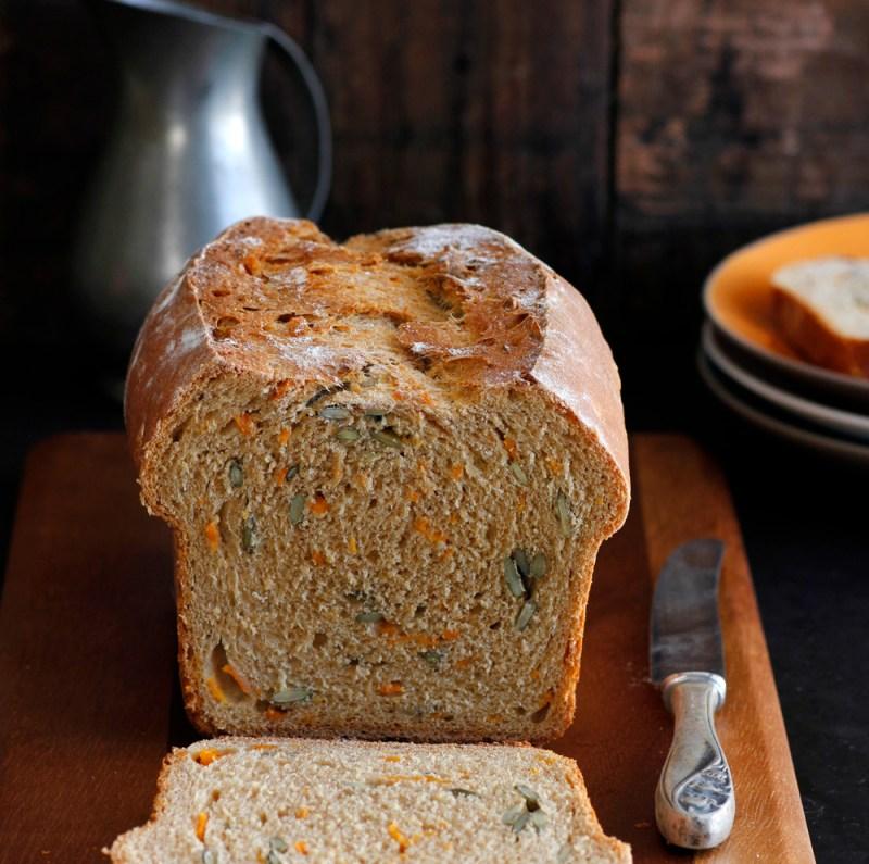 לחם דלעת וגרעינים