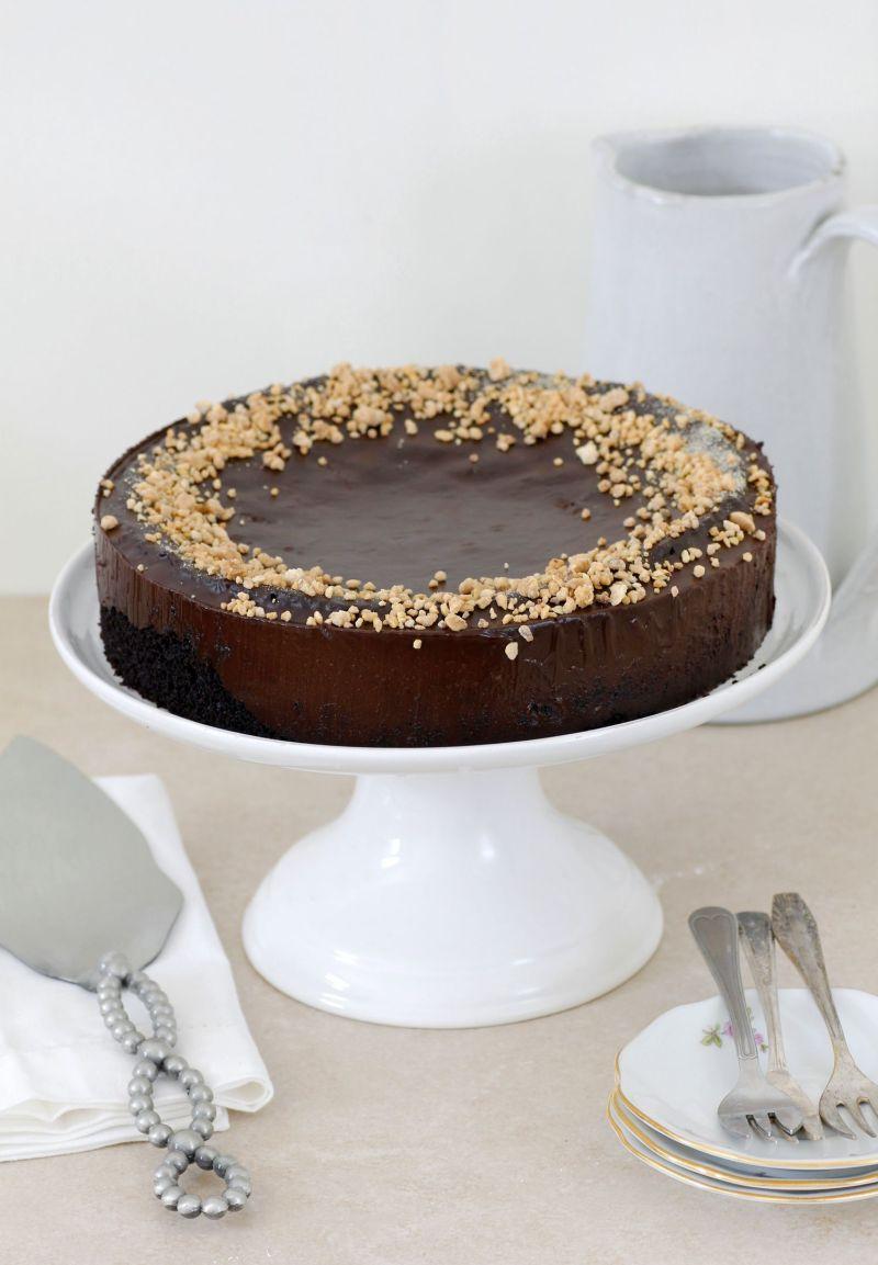 עוגת שוקולד ושמן זית עם שקדים