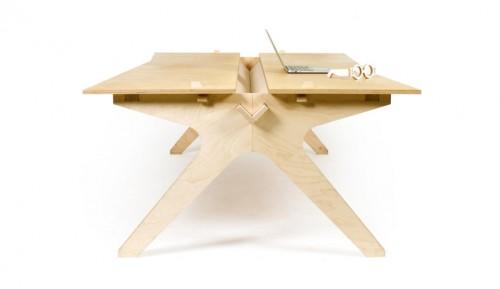 d06701cd3417f7378a4e3dafa80750765b7bfd81-desk.1