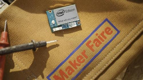 2_maker-faire-tool-belt-edison-16x9.jpg.rendition.intel.web.720.405
