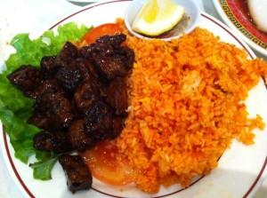bœuf loc lac avec riz rouge