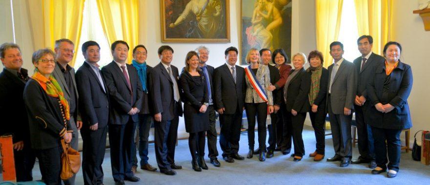 Visite officielle à la Mairie de Fontainebleau organisée par Cap Cultures dans le cadre de l'échange culturel entre les villes de Chengde et Fontainebleau, octobre 2014.