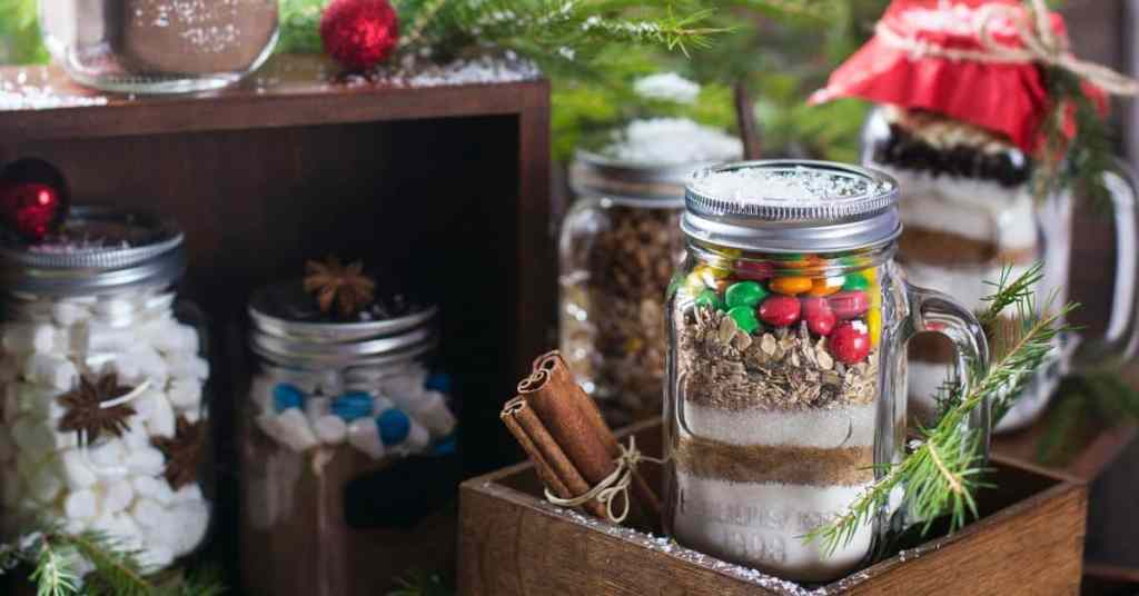 Homemade-Brownie-Mix-in-a-Jar-Homemade-Christmas-Gift-Ideas